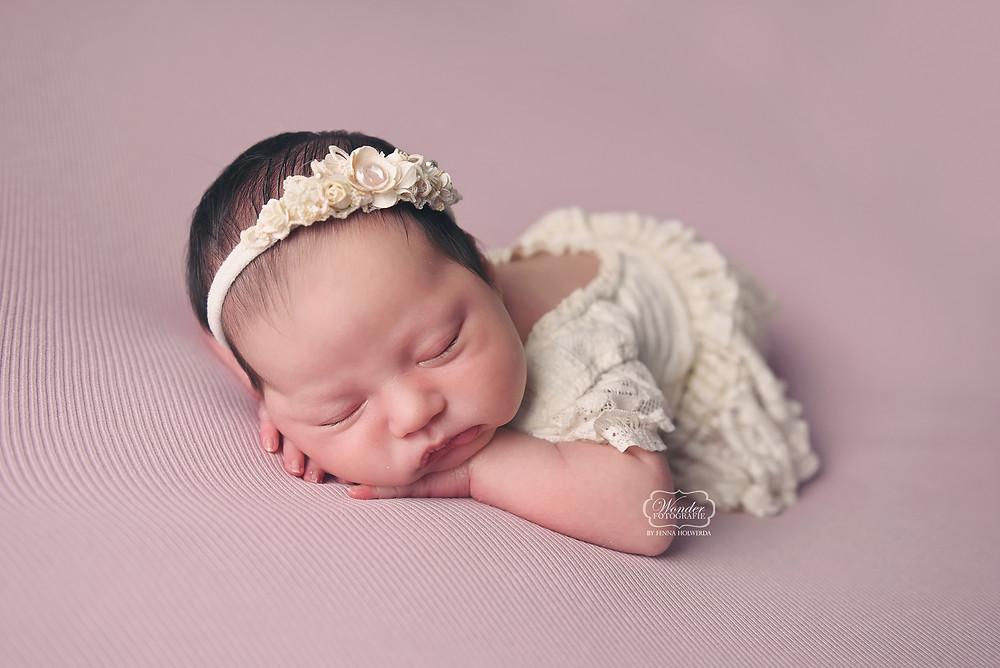 Newborn fotoshoot baby fotograaf friesland overijssel steenwijk wolvega zwolle