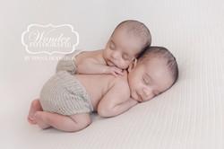 newborn fotoshoot tweeling twins photoshoot baby broers jongens eeneiig 0