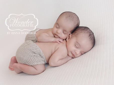 Newborn Fotoshoot Eeneiige Tweeling