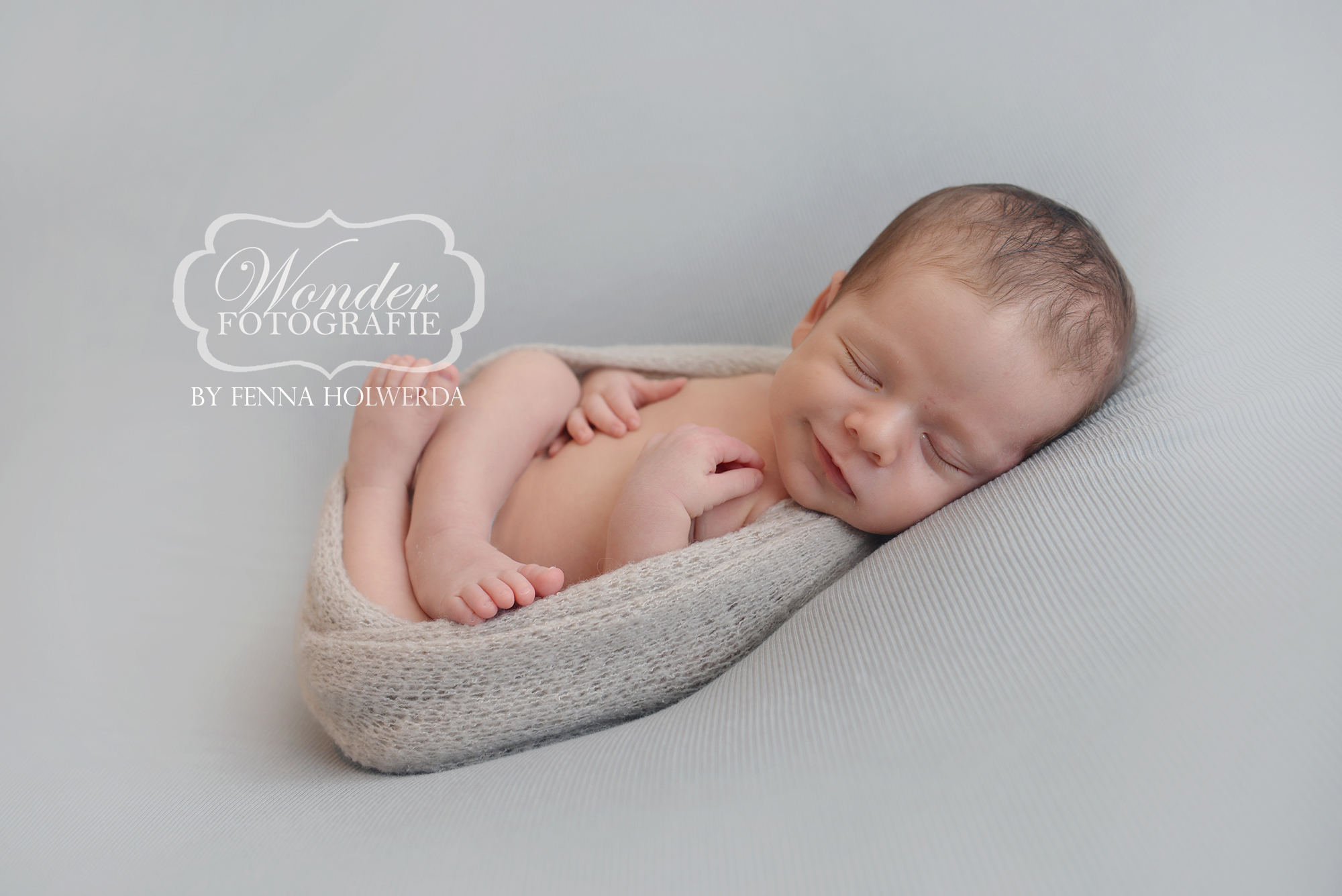 Fine Art Newborn Fotograaf Fenna Holwerda Fotoshoot Wonder Fotografie
