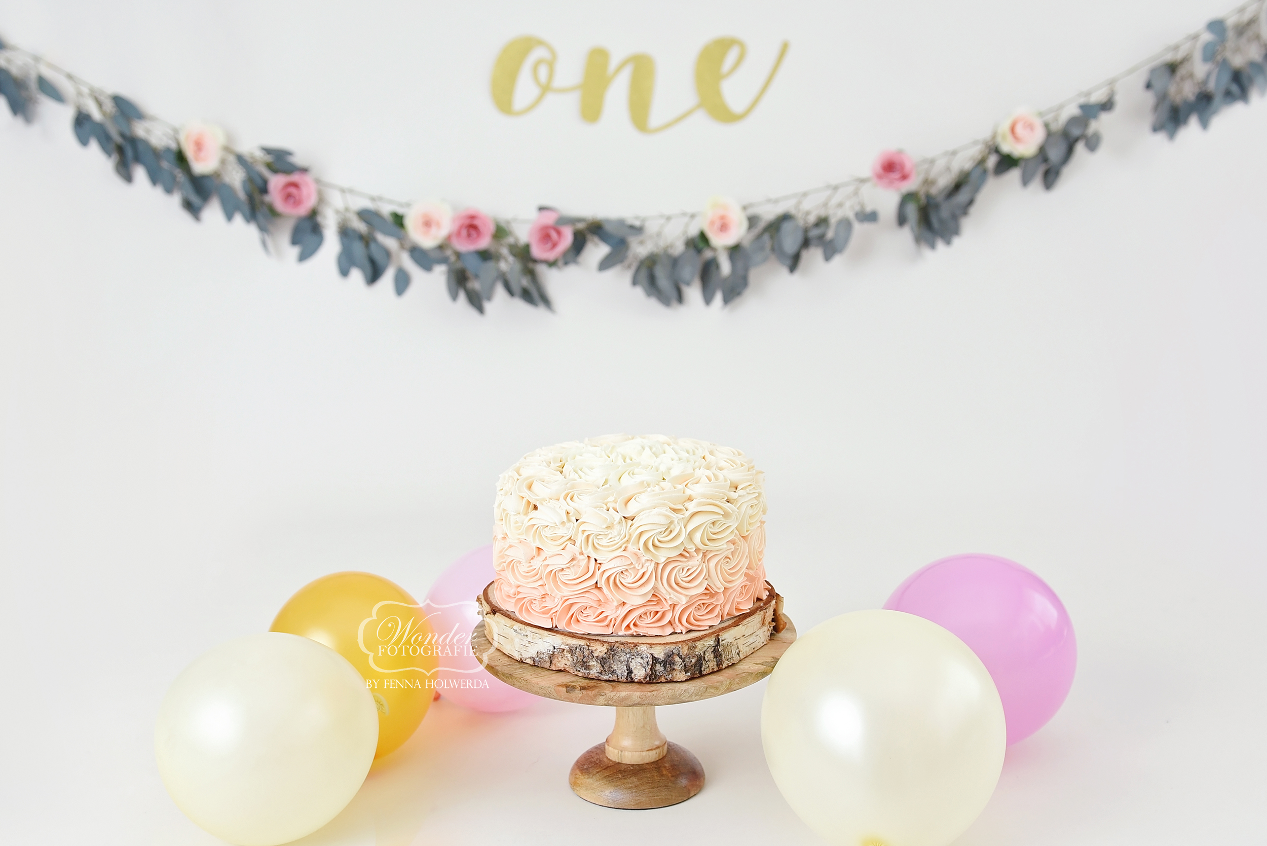 Boho cake smash taart bloemen cake smash fotoshoot photo shoot puur naturel