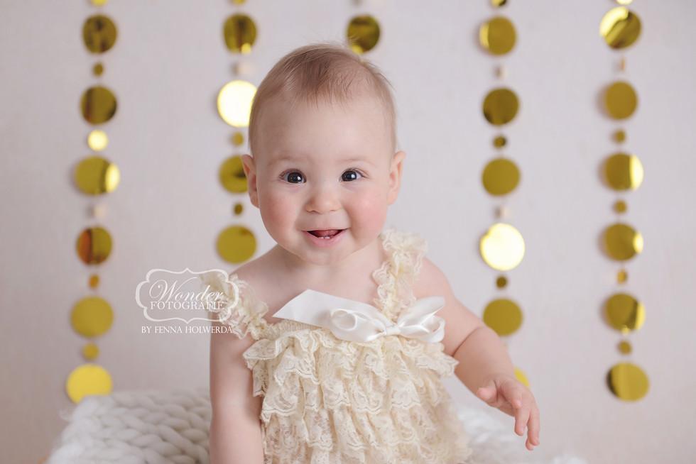 Wonder Fotografie by Fenna Holwerda Sitter Sessie Babyshoot Babyfotoshoot Baby fotoshoot Photoshoot