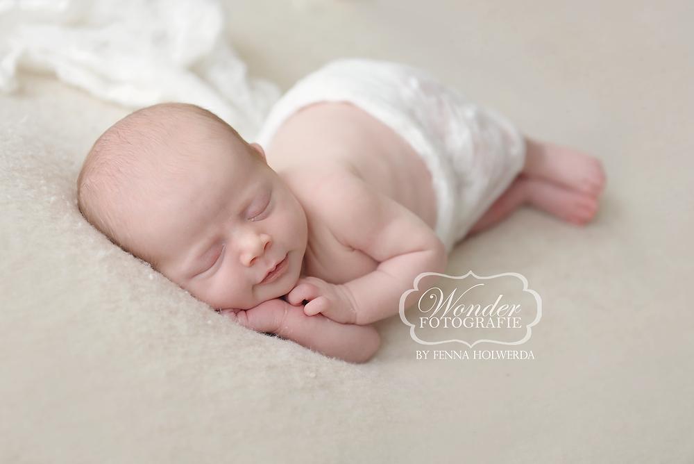 Newborn Fotoshoot Photoshoot Babyfotoshoot Babyfotografie Geboortekaartje meisje Naturel