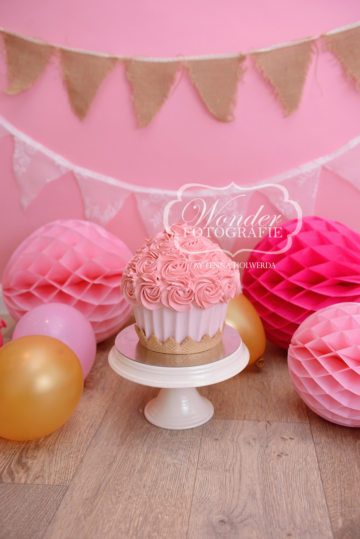 Cake smash fotoshoot taart giant cupcake thema inspiratie jongen meisje17
