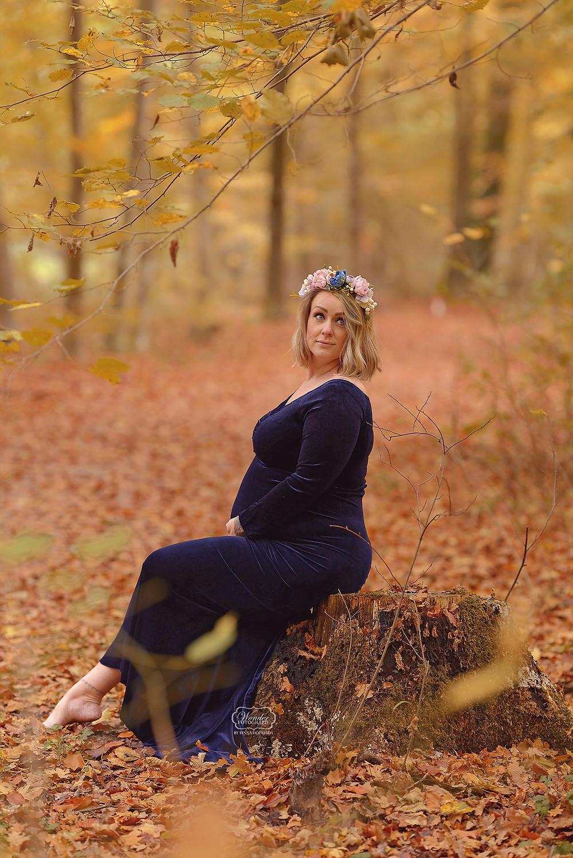 zwangerschapsfotoshoot bos maternity shoot forest Kuinre Emmeloord Flevoland