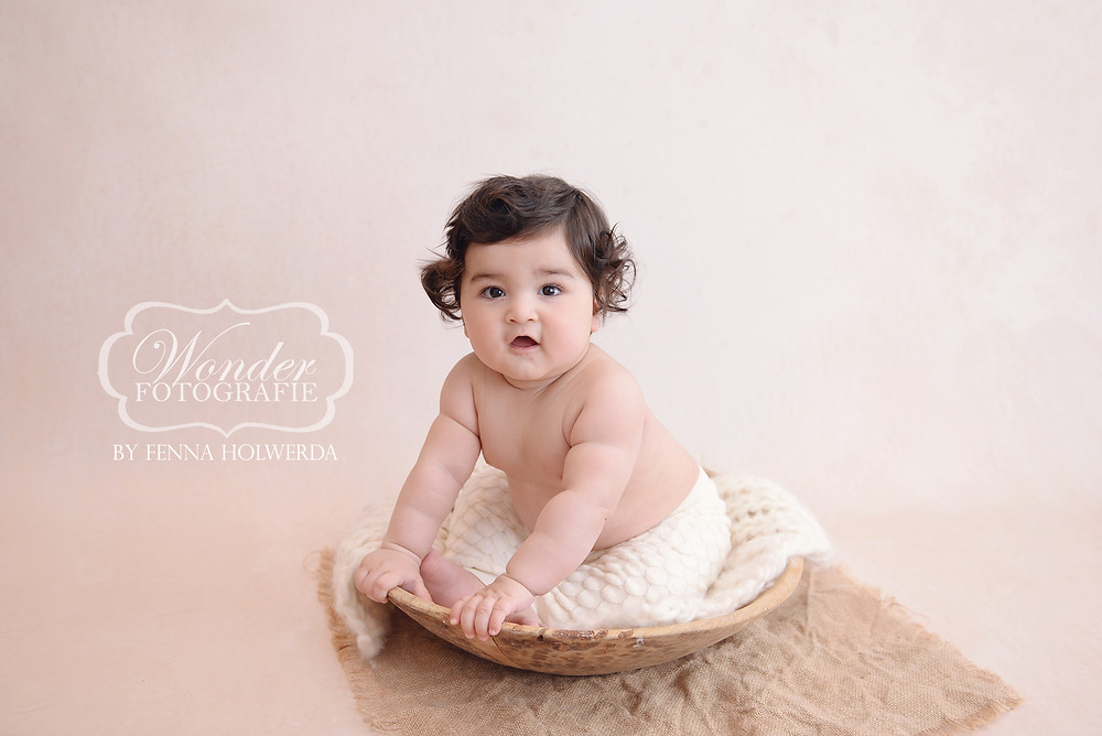 sitter sessie session baby shoot fotoshoot photoshoot fotograaf almere studio licht