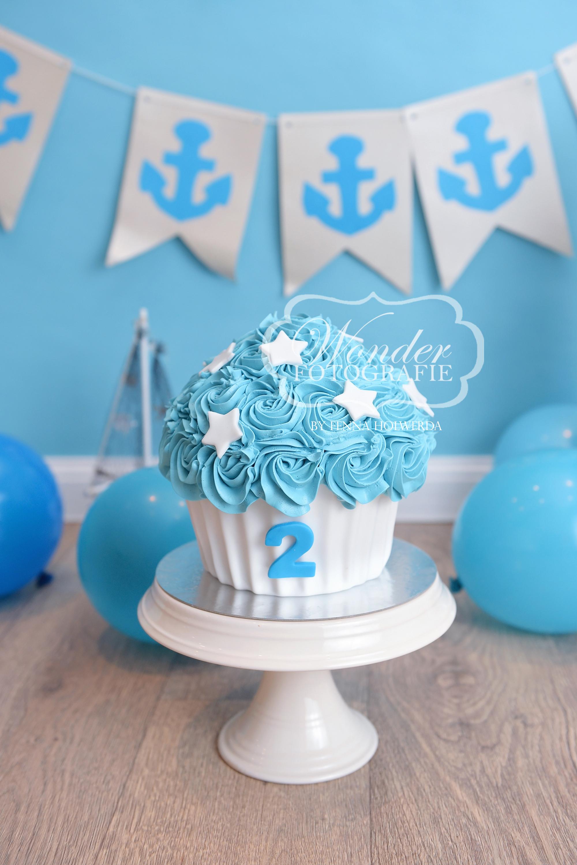 Cake smash fotoshoot taart giant cupcake thema inspiratie jongen meisje04