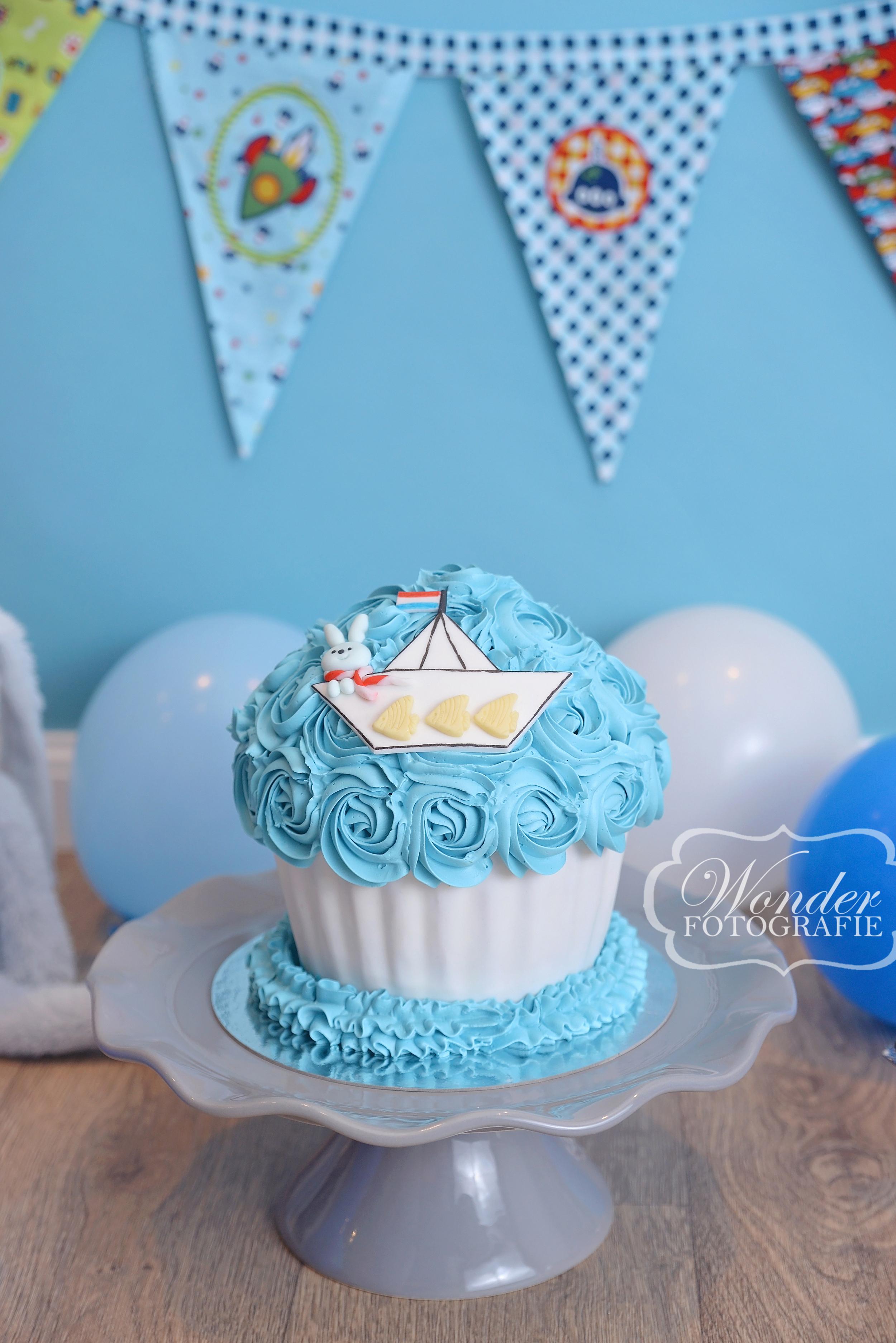 Cake smash fotograaf almere blue baby boy