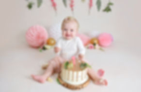 3 Cake smash Fotoshoot bloemen roze boho