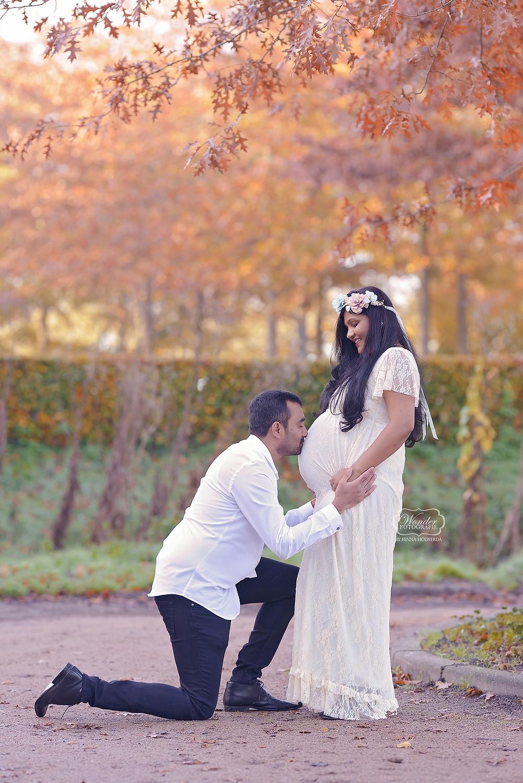 Zwangerschapsfotoshoot buiten zwanger fotoshoot outdoor jurken