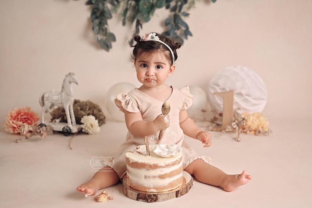boho cake smash fotoshoot puur naturel zacht studio naked cake baby shoot