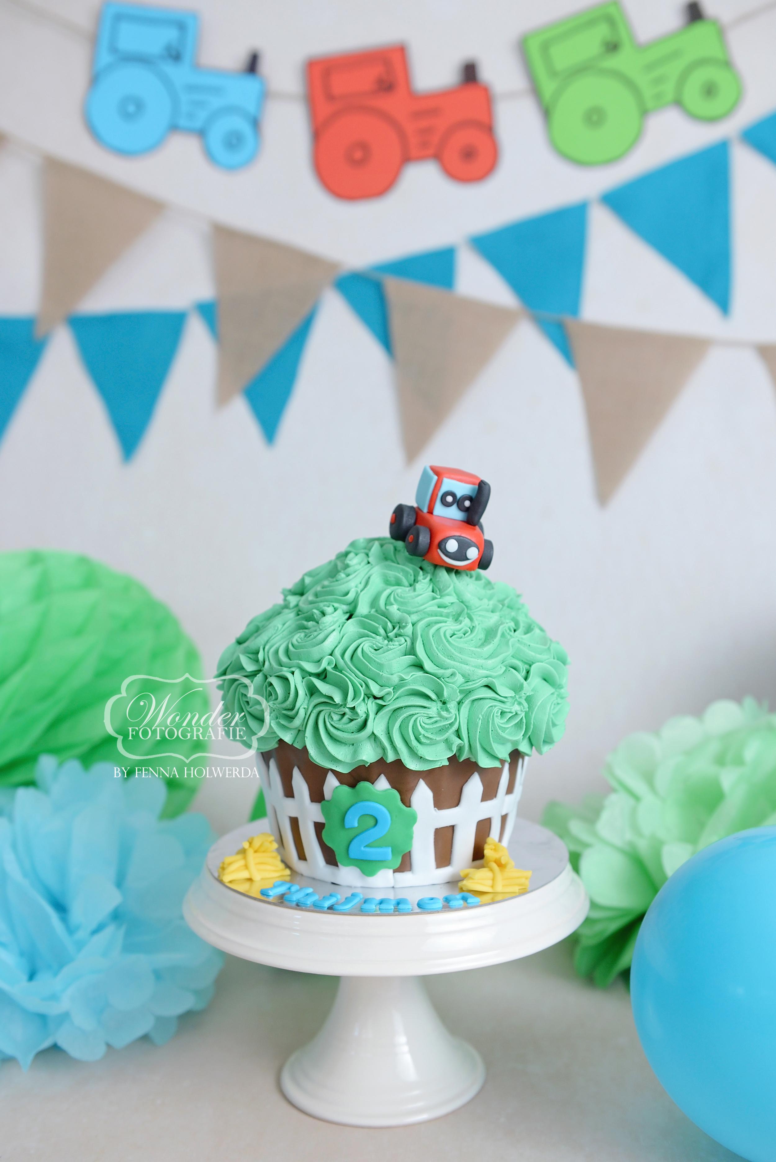 cake smash fotoshoot jongen tractor