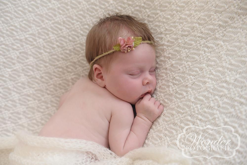 Newborn Fotoshoot Flevoland Noord-Holland Gooi Professionele Newborn Fotograaf Fine Art Newborn Fotografie Puur Naturel