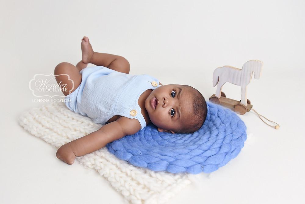 babyfotoshoot baby shoot fotoshoot photoshoot boy jongen 4 maanden 5 months