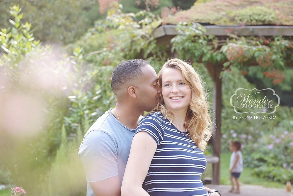 zwangerschapsfotoshoot zwangerschapsshoot fotoshoot zwanger zwangerschap foto's buiten mooiste beste golden hour