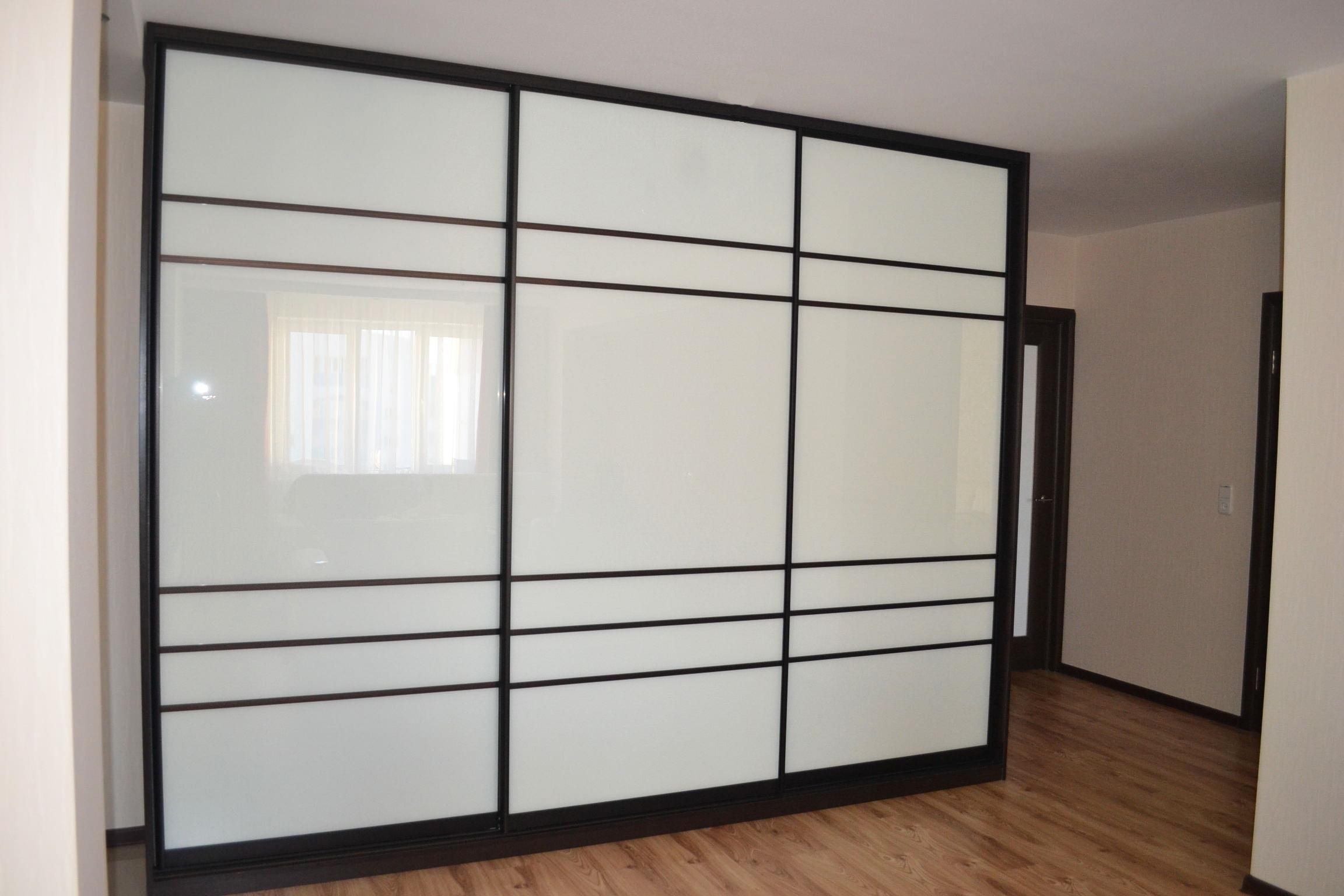 Шкаф-купе для просторной прихожей