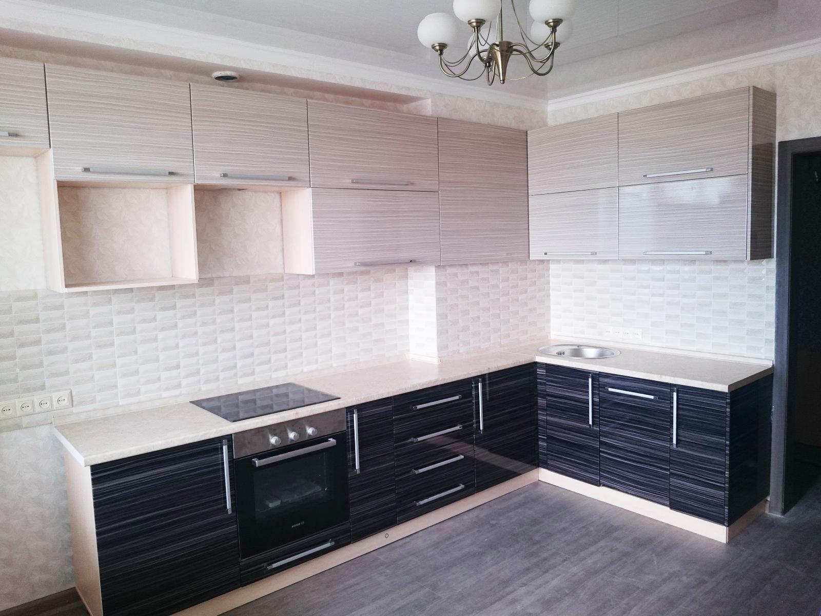 Кухня с горизонтальными фасадами