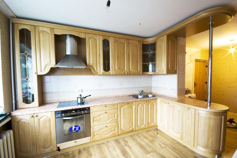 Кухня с фасадами из массива дуба