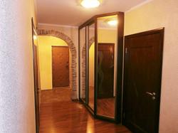 Шкаф-купе с зеркалами для коридора