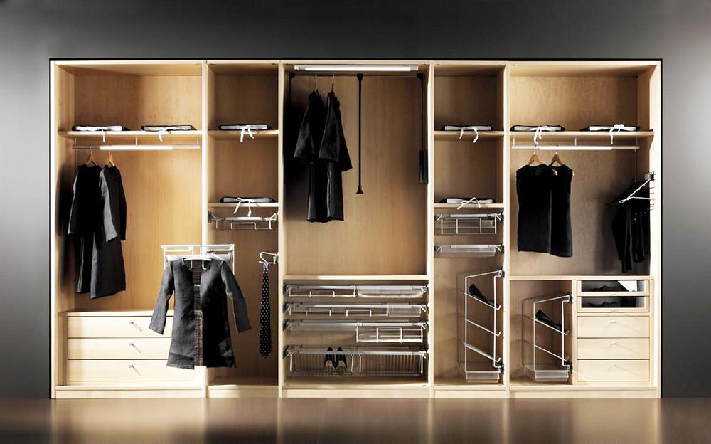 Шкафы-купе и их наполнение