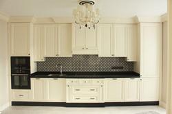 Прямая кухня в классическом стиле