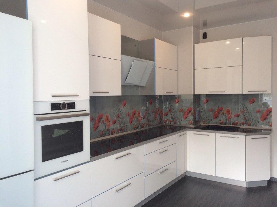Угловая кухня в белом цвете, Вид 1