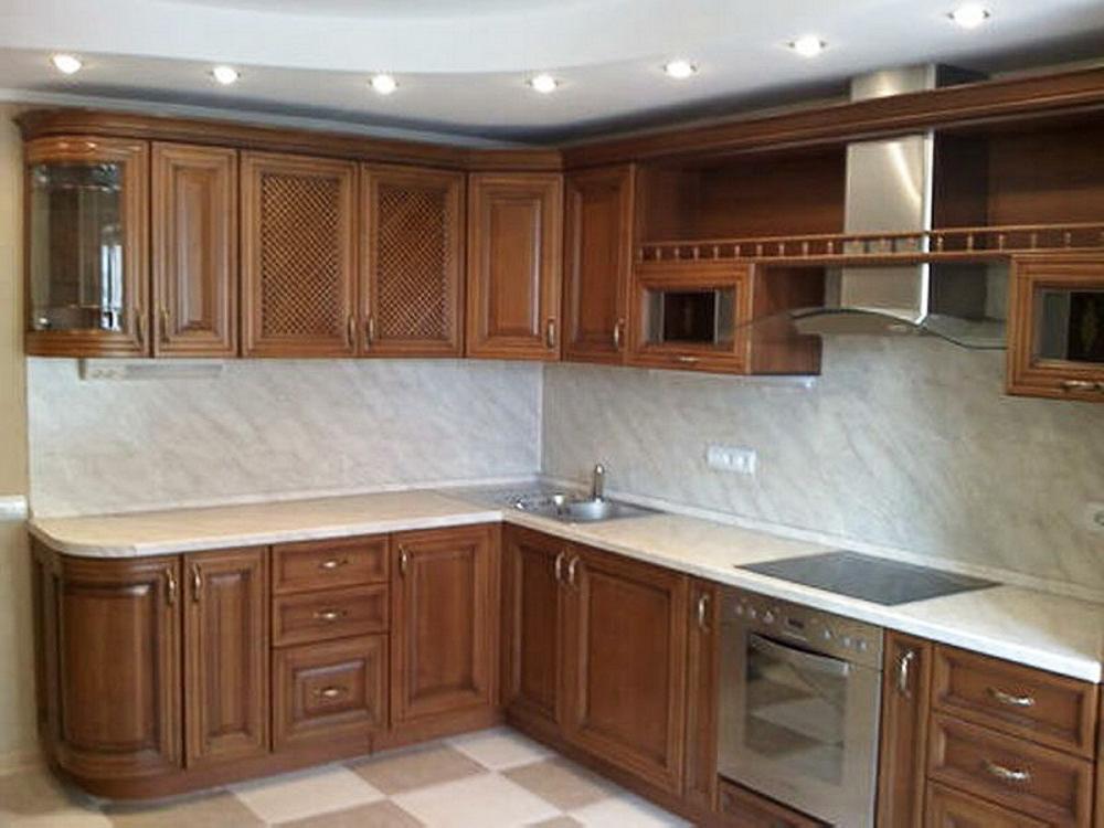 Угловая кухня из массива цвета Орех