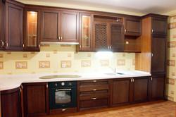 Кухня угловая в классическом стиле