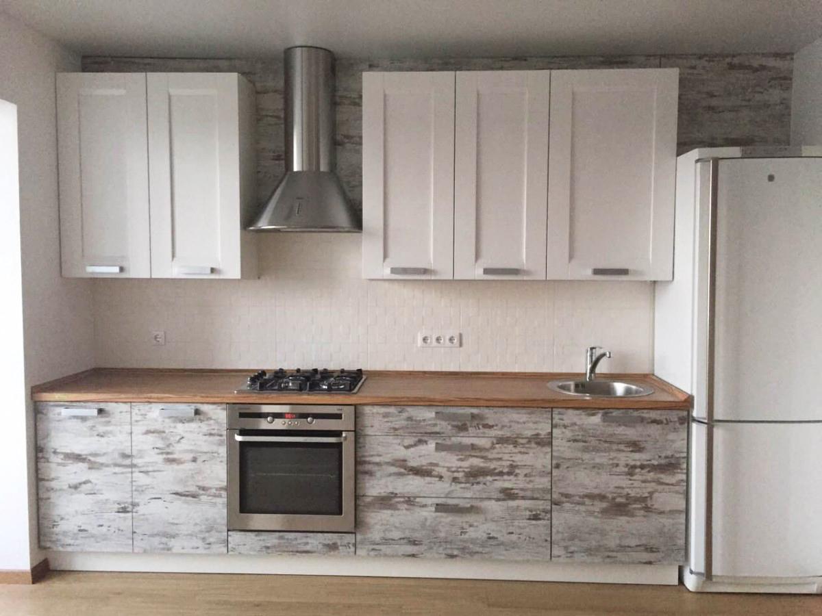 Кухня комбинированными фасадами ДСП