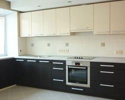 Линейный кухонный гарнитур из ЛДСП