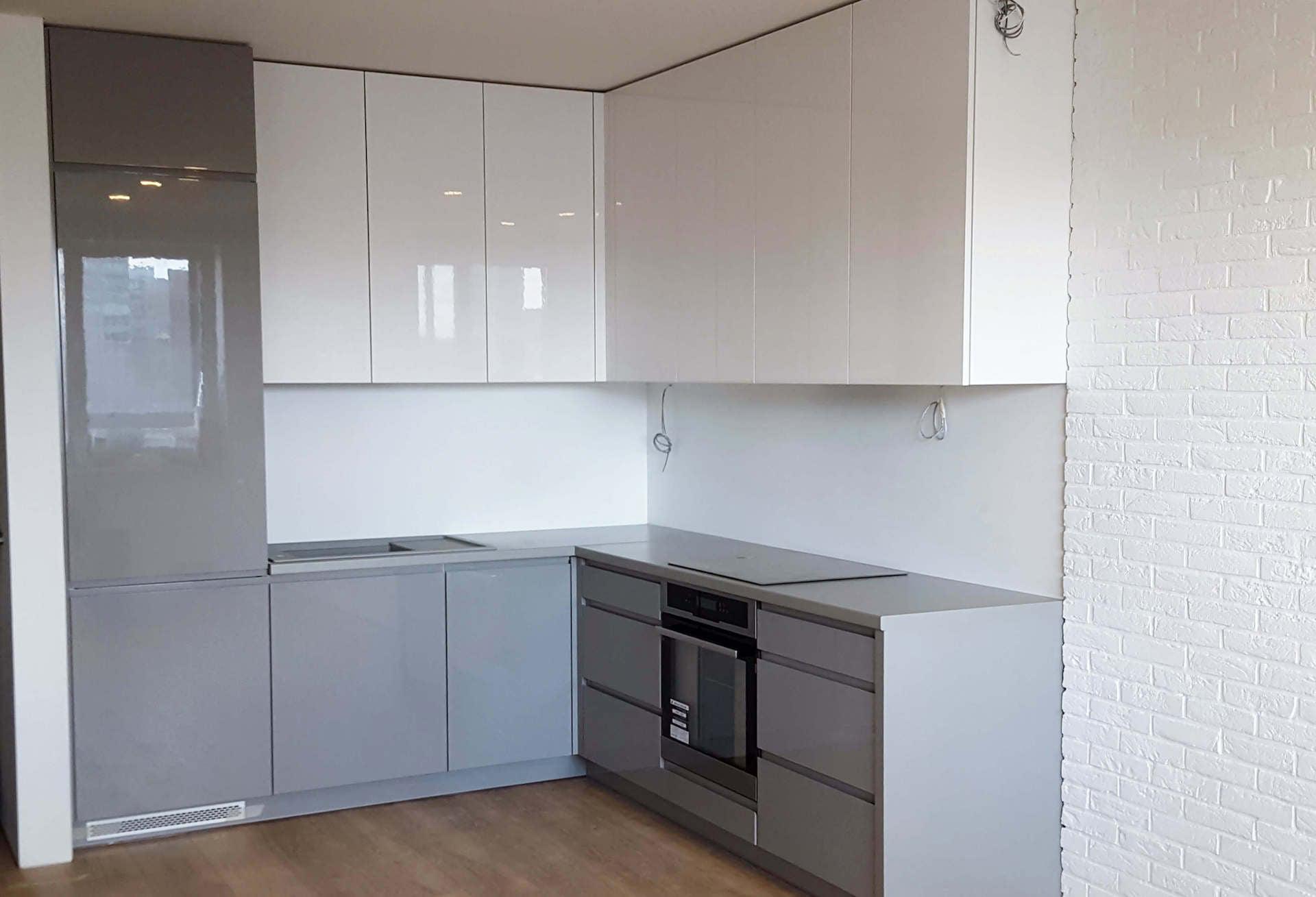 Небольшая угловая кухня МДФ