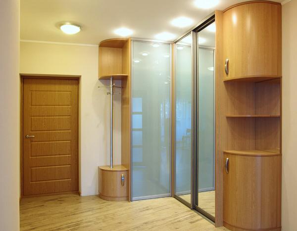 Шкаф угловой с радиусными консолями