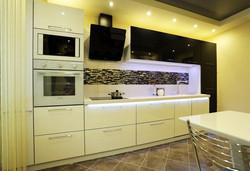 Черно-белый прямой кухонный гарнитур