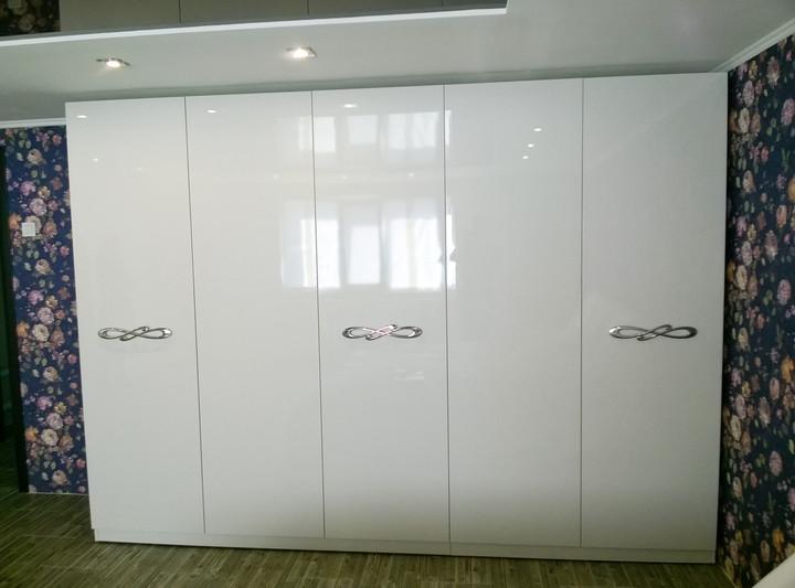 Шкаф гардеробный с распашными фасадами