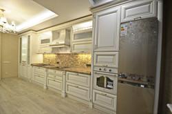 Прямая кухня из массива
