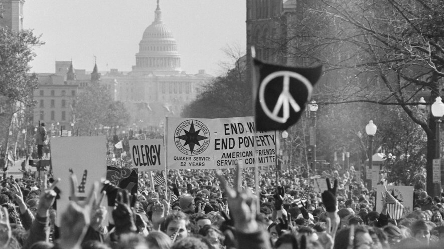 1969+March+Crowd_11.15.jpg
