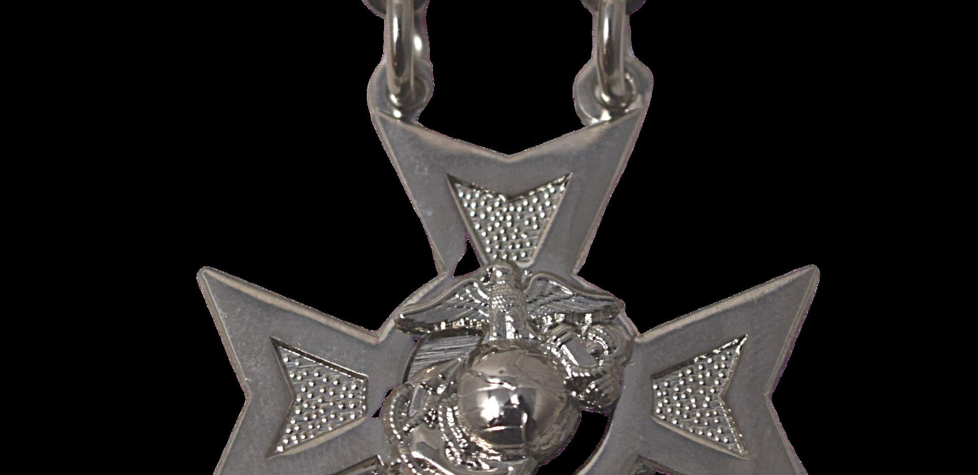 Rifle Sharpshooter Pin