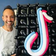 TikTok balloon birthday gift