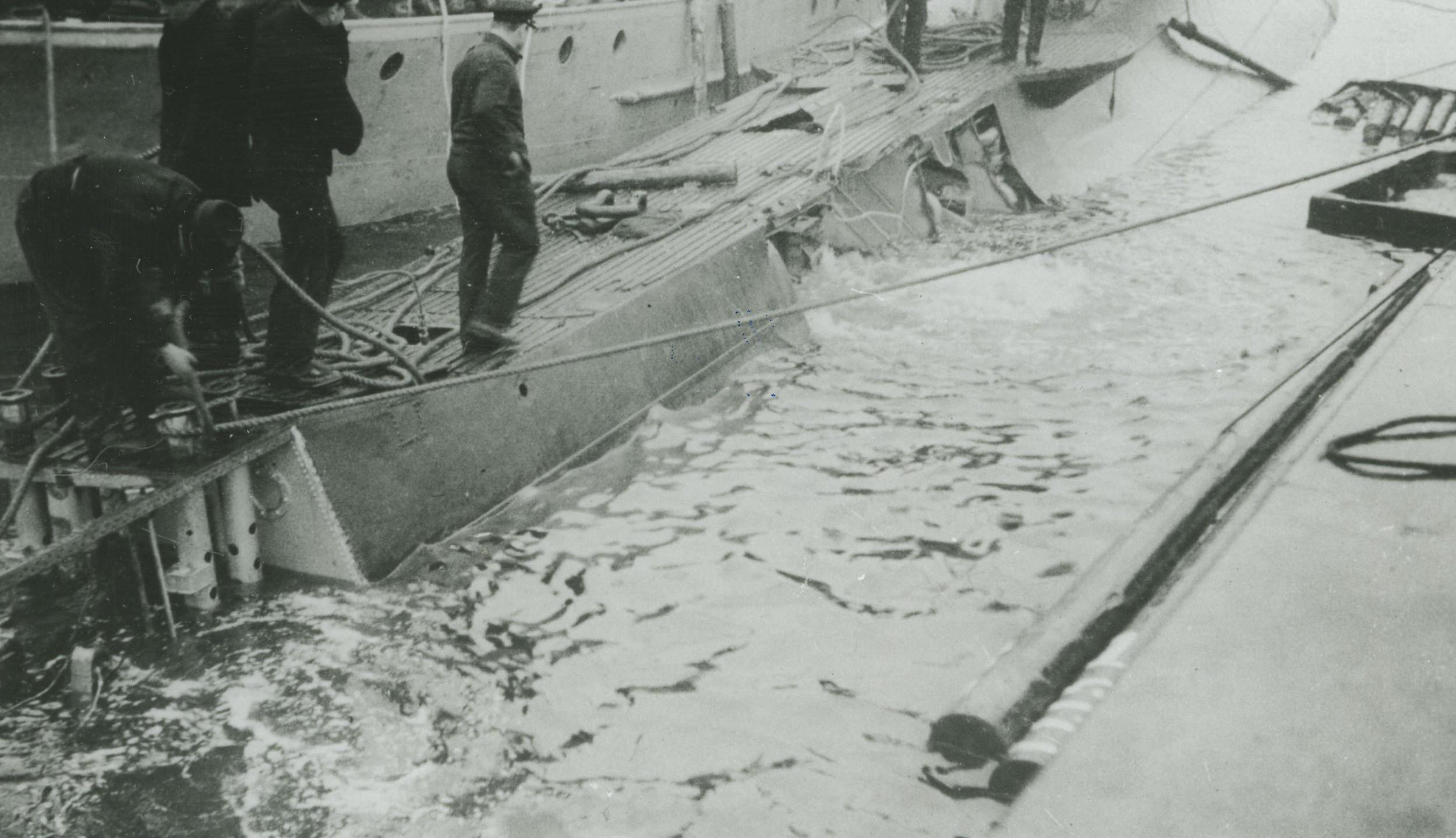 het gat in de onderzeeboot Hr. Ms. O 11