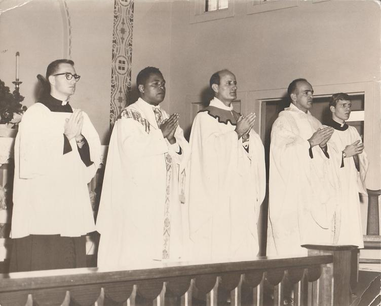 Roger Laurent (far right), Notre Dame Se