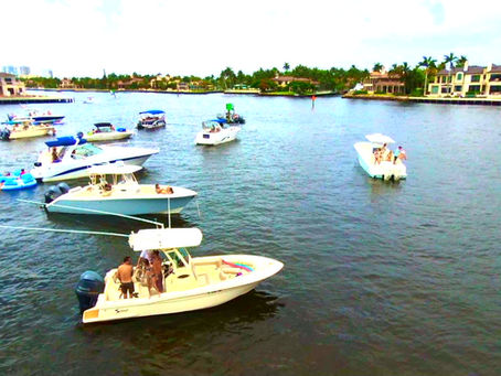 'Tis the season for a pontoon boat charter… LET'S PARTY!