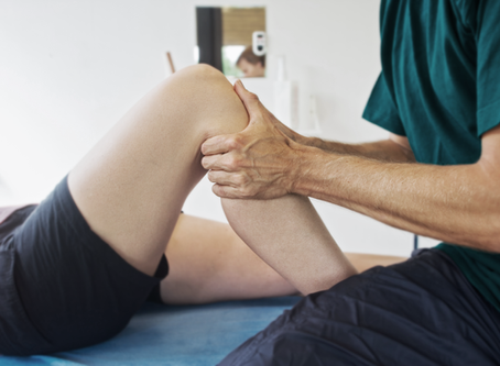 Need help with your knees? Some common knee issues and 4 ways to reduce the risk of knee pain.