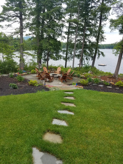 Sod, Bluestone Steppers and Patio