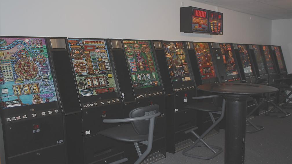 Spillehal, spilleautomater, slotmachine, automater, spil, kabinetter, opstilling