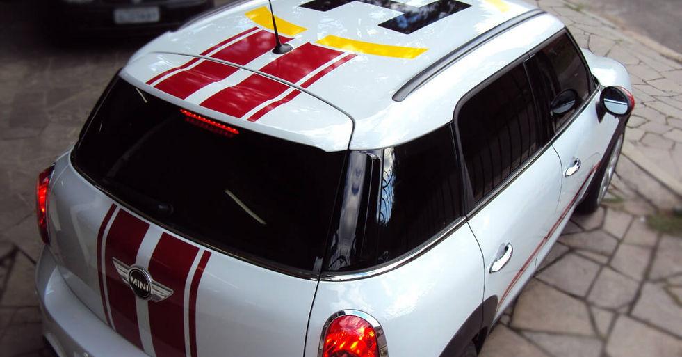 Carro adesivagem em recorte