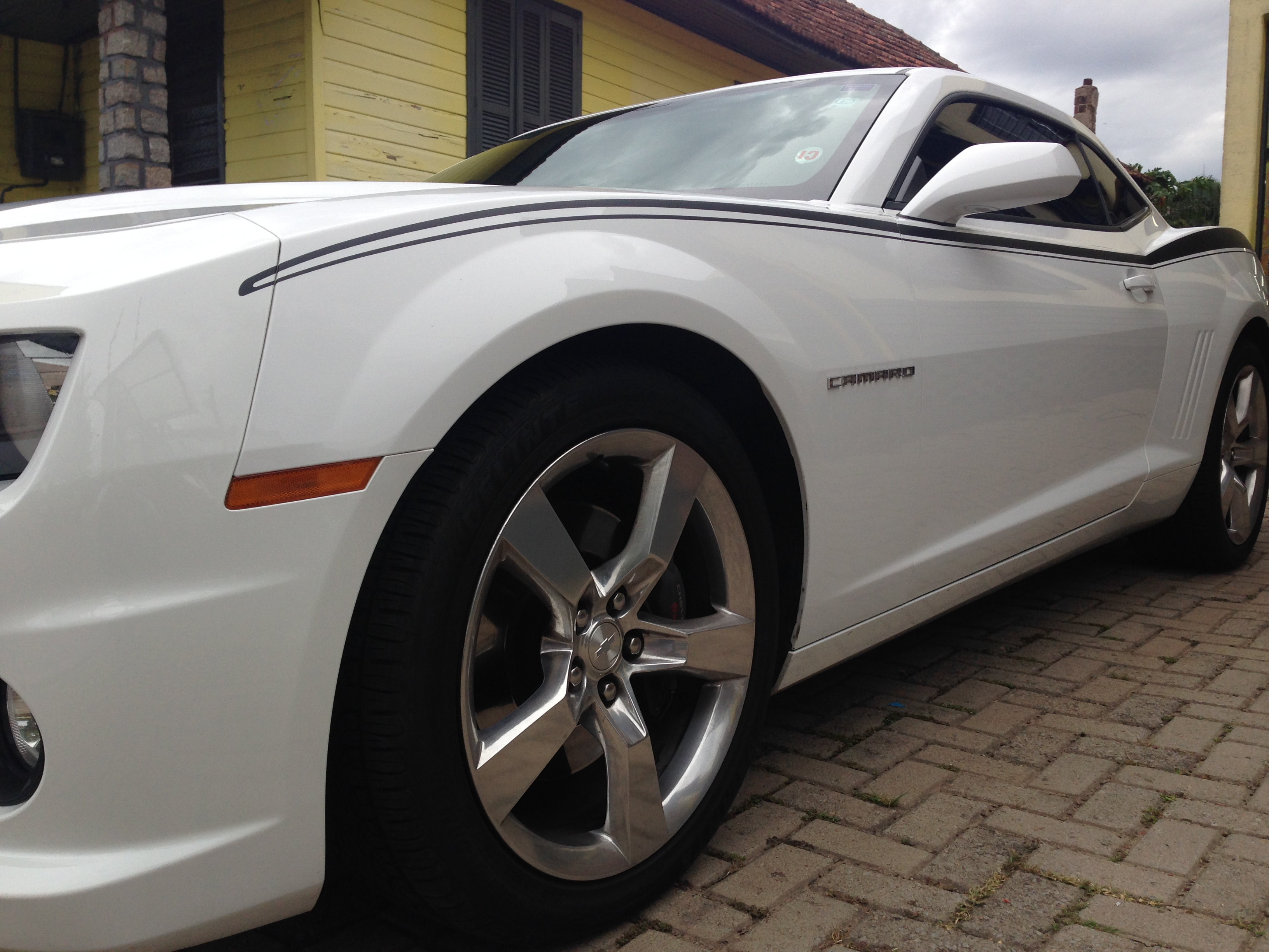 Camaro branco