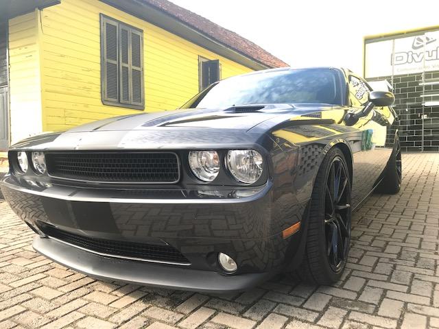 Dodge Preto