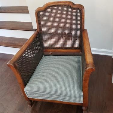 Custom Re-upholstery & Slipcovers