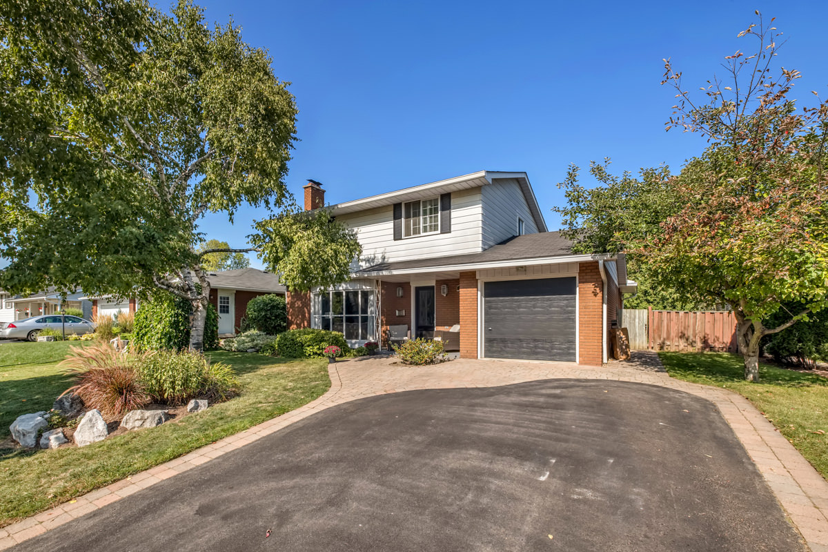 479-Tipperary-Ave-Burlington-Low-Res-1