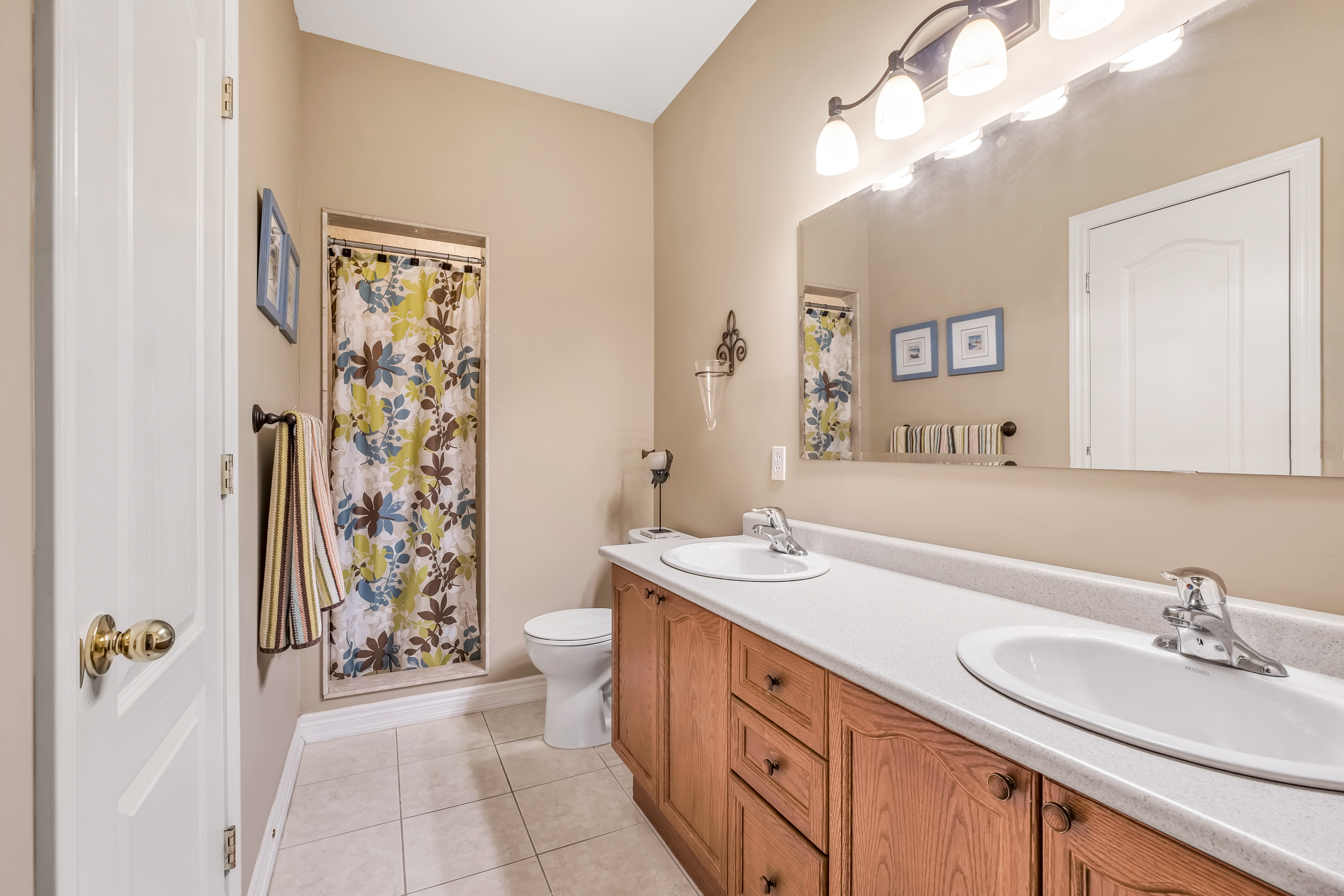 79-Goldenview-Waterdown-High-Res-29
